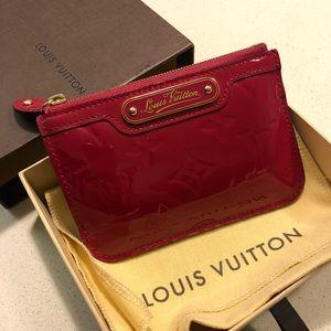 Authentic Louis Vuitton Vernis Key Cles 💖 red